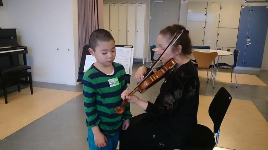 Ludmila og en elev