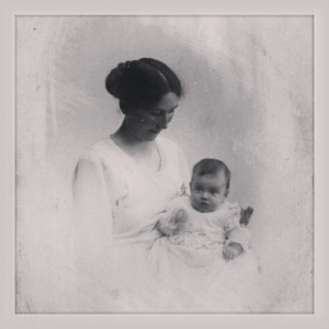 My grandmother and Eva her firstborn 1921