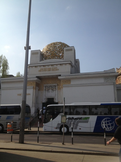 Secession In 1896, Gustav Klimt and a number of other artists quit the conservative Künstlerhaus and founded a new art association called the Secession. The building of the same name was completed in 1898.