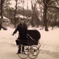 Frederiksberrg Have ved det kinesiske tehus og en far med flotvogn