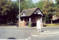 The bus stop at the round about in Monton