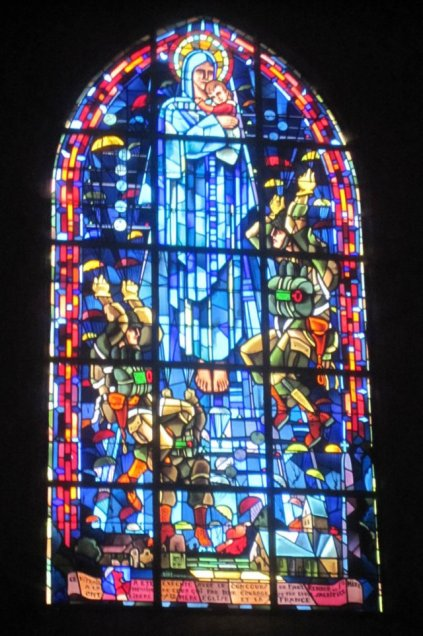 Sainte-Mère-Église_Window_1a