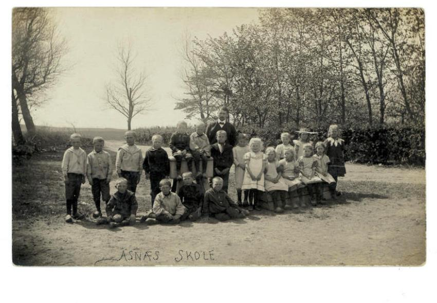 From Emry's time as a teacher in the country 1906-1914