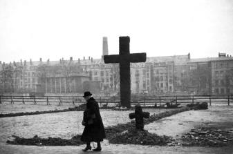 A cross at the empty space after the bombings