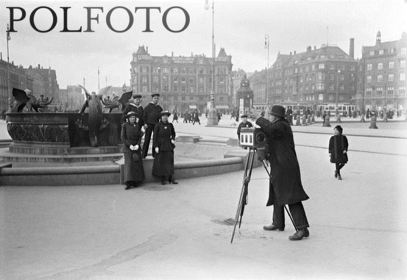 Dragefontænen med kanonfotograf Polfoto