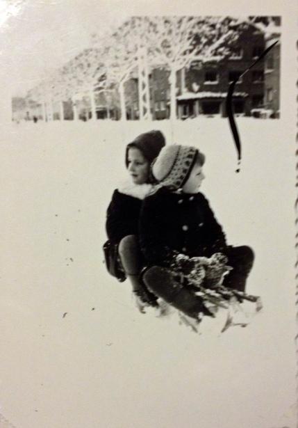 Niels and a friend in the snow ©Gunner Johansen