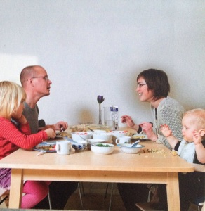 From the Danish Health authorities a book on food for small children
