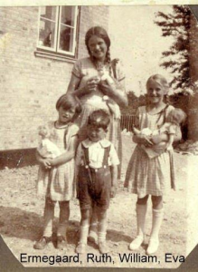 Ruth on the right with her siblings when the house was new in 1929
