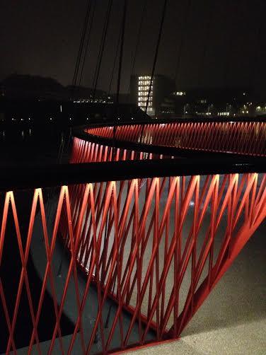 Ny gang og cykelbro i København