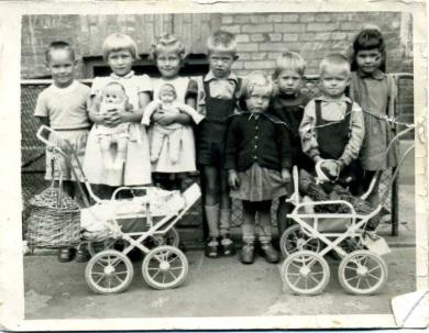 Children in a back yard in Copenhagen in the 1950s photo FB friend
