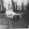 Lille Ruth i kurvevogn Dorthe Lohmannsbillede