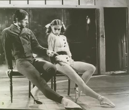 Flemming Flindt as the teacher 1974 an Anne Marie Vessel Schlüter as the pupil. Photo from the brochure