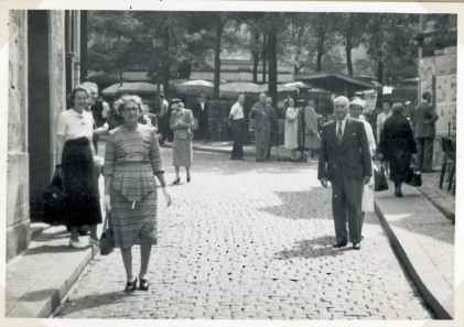 My grandfather and my grandmother in white hat at the book stalls at the river Seine