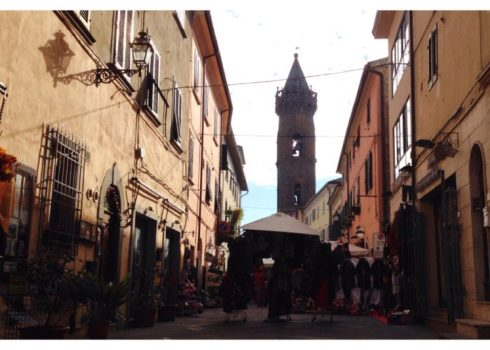 via giacomo matteotti, peccioli, italy, italia, tuscany, toscana, mercato, market day, san verano