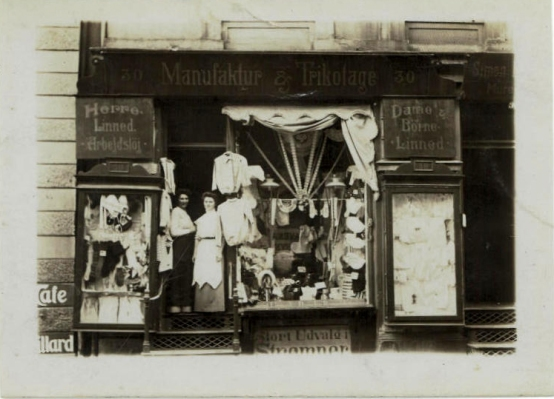 The shop in Nansensgade. My grandmother Asta to the left and Thea Schraeder the owner of the shop. The Café to the left is still there