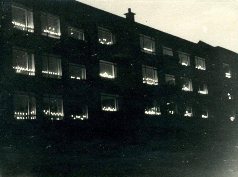 Lys i vinduerne-i-dette-jeblik-meddeles-det---3