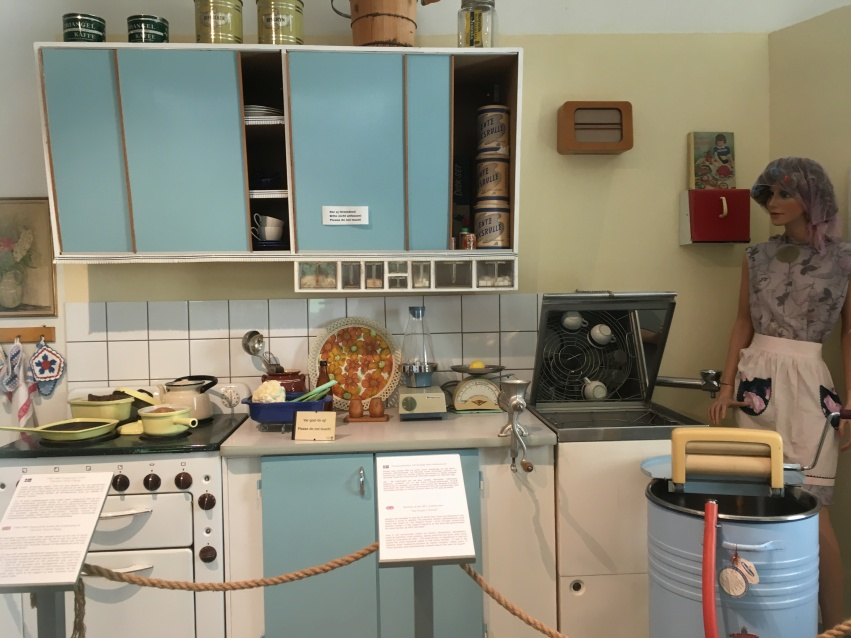 A 1950s retro kitchen with Husquarna products