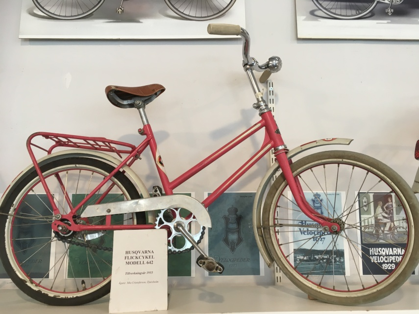 A girl's Husquarna bike from 1950s