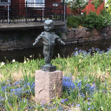 A statue of a baby in Eksjoe