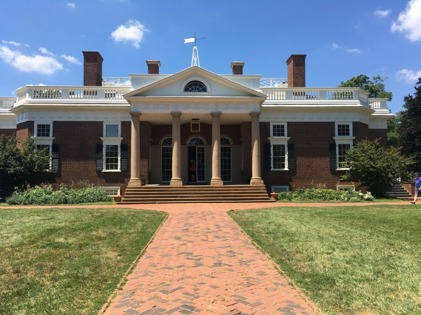 The entrance and front of Monticello