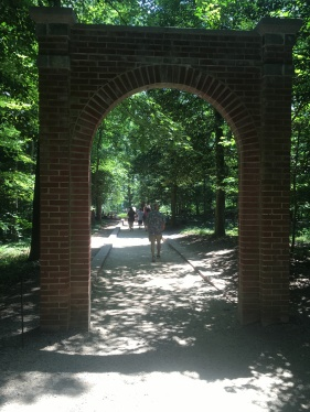 An arch near Washington's gravesite entering through to the slave gravesites