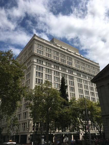 Building in central Portland