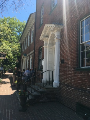 The two buildings of the Gatsby's Tavern and the hotel in Alexandria VA
