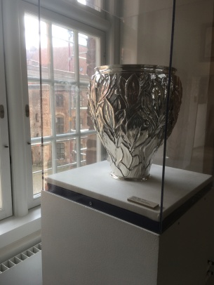 A silver bowl by Bindesbøl from the permanent exhibition